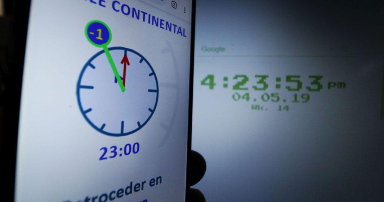 Los relojes deberán ser atrasados en una hora, cambio que se hará en plena cuarentena. (Agencia UNO/Archivo)
