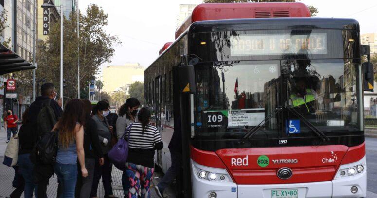 """""""Transportes mantendrá frecuencia durante la cuarentena en la Región Metropolitana"""""""