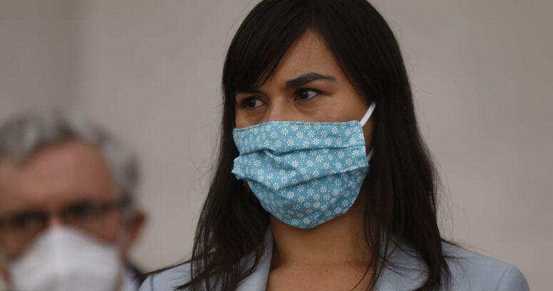 """""""Injustas y sesgadas"""": directores de servicios de Salud arremeten contra Izkia Siches"""
