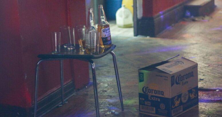 """""""Denuncian fiesta clandestina en que participó hijo de vedette argentina"""""""