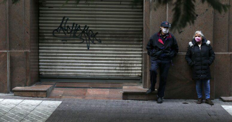 Actividad económica chilena cayó un 5,8% en 2020, la peor contracción en casi cuatro décadas
