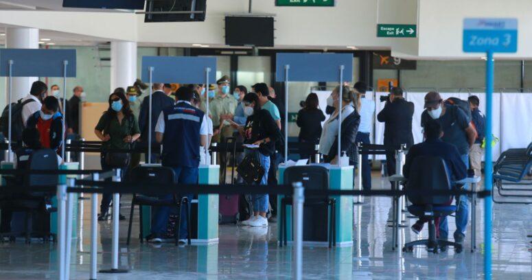 Minsal estableció nuevas restricciones para los viajeros desde el exterior