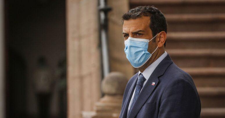 Ministro Delgado se mantiene estable tras su hospitalización por COVID-19