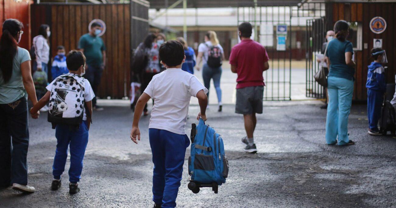 Más de 3 mil colegios abrieron sus puertas en marzo. (Agencia UNO/Archivo)