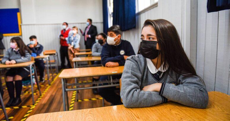 Año escolar 2021: un 61,8% de los estudiantes quiere regresar a clases y prefiere la modalidad semipresencial