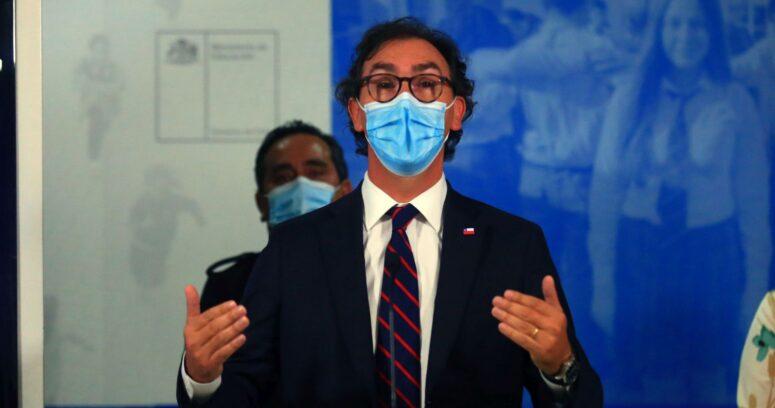 """Ministro Figueroa: """"No existe ningún caso de COVID-19 que se haya generado en los colegios"""""""