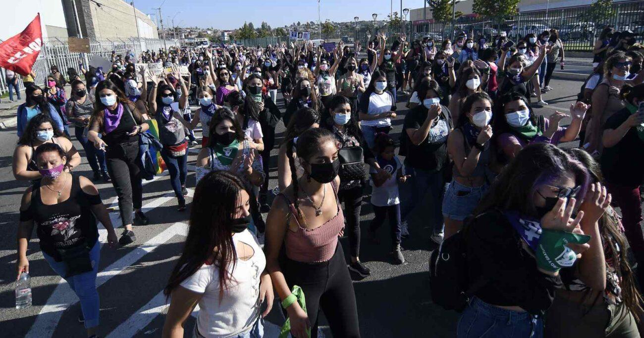 Marcha en conmemoración al Día Internacional de la Mujer en Quilpué (Agencia UNO/Archivo)