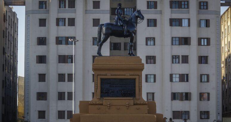 """""""Consejo de Monumentos Nacionales removerá estatua de Baquedano por reparaciones"""""""