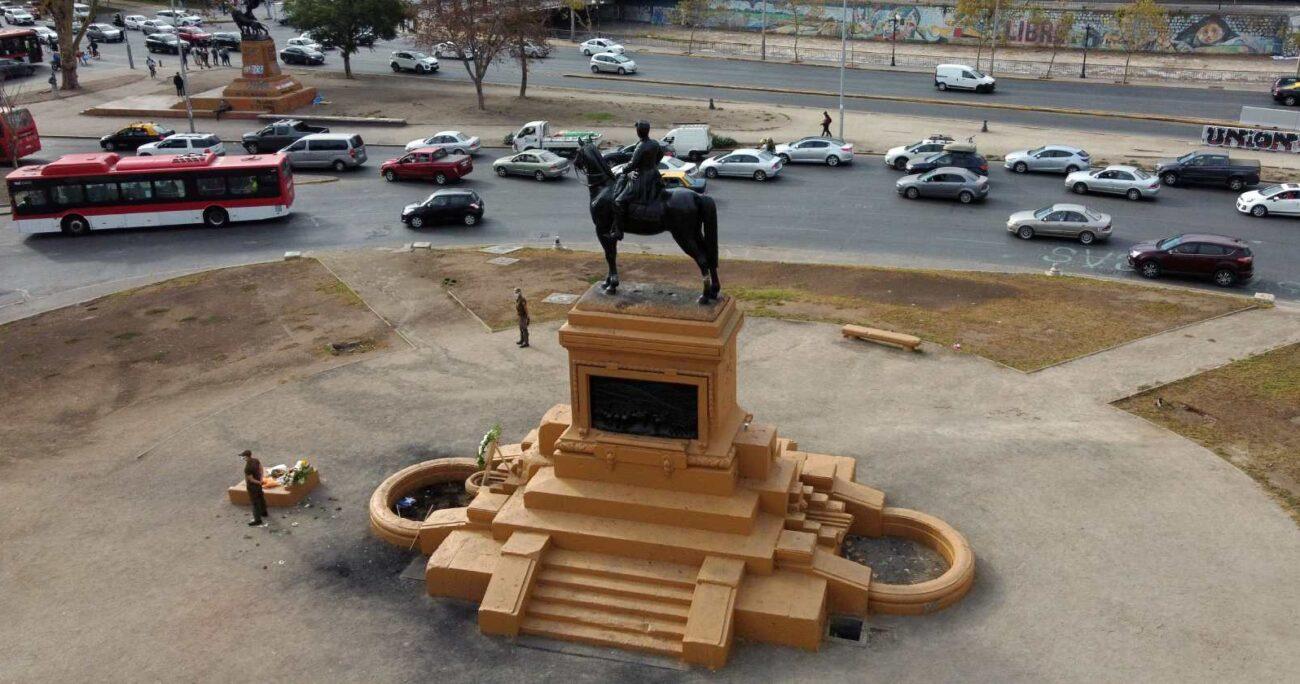 Esto, luego que se conociera que el monumento a Baquedano será sometido a reparaciones. Foto: Agencia UNO