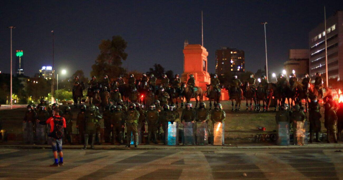 El monumento al general Baquedano fue trasladado a Cerrillos para su reparación. (Agencia UNO/Archivo).