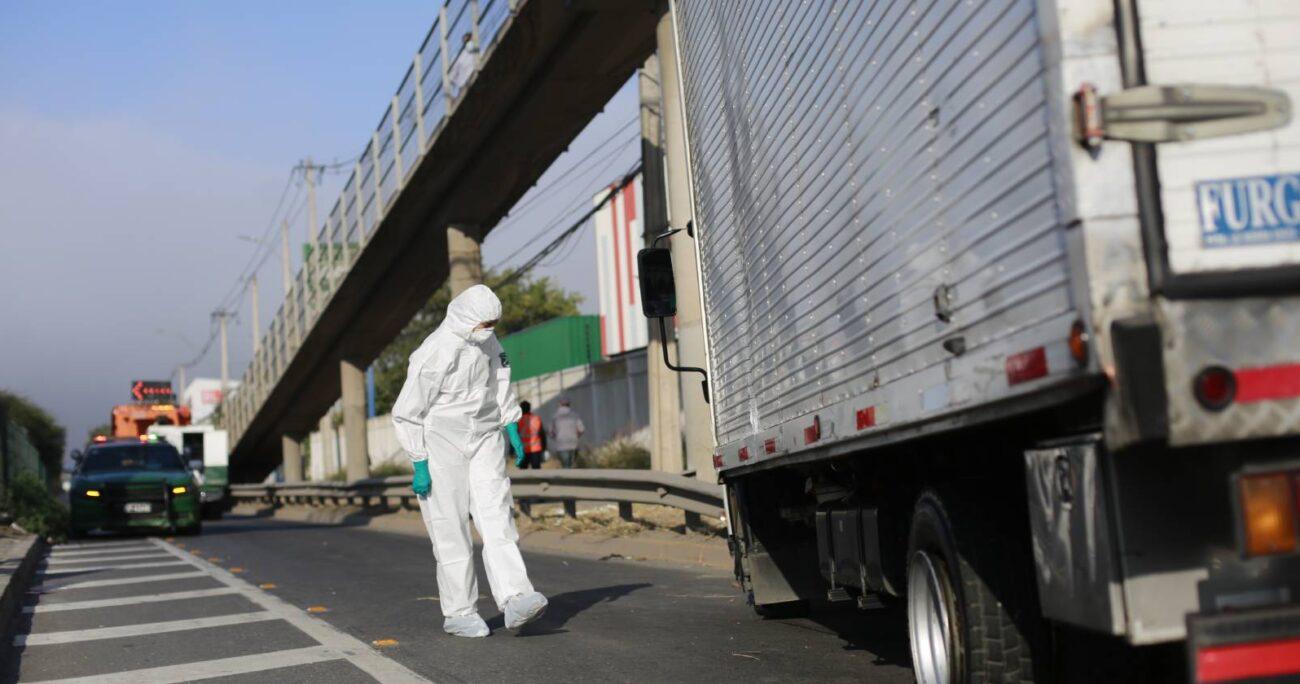 Al percatarse que otro camión los escoltaba, los individuos le dispararon para evitar que los siguiera. (Agencia UNO)