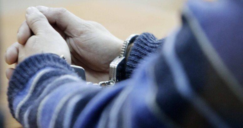 Asaltó a trabajadora de delivery en Maipú: lo entregó su madre a la policía