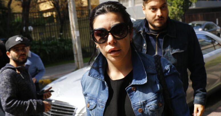 """""""Daniela Bonvallet las emprende contra quienes viralizaron foto de su padre muerto"""""""