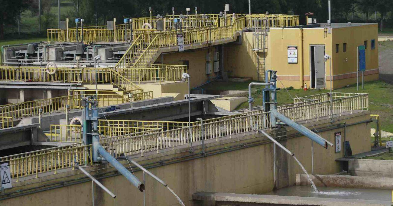 Planta de tratamiento de aguas en la comuna de La Florida, Región Metropolitana (Agencia UNO/Archivo).