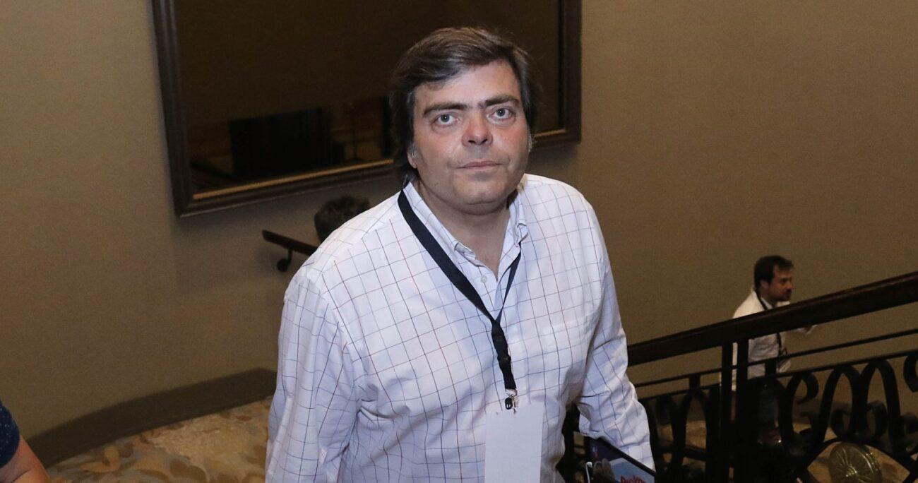 Cristián Barra acusó que las Fuerzas Armadas llegan con abogados a sus reuniones para decir lo que no pueden hacer. (Agencia UNO/Archivo).