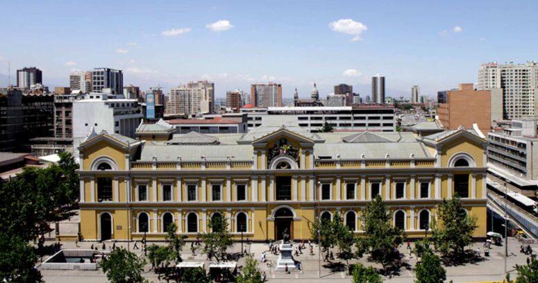 Histórico: por primera vez una mujer encabeza la lista de seleccionados de Ingeniería en la Universidad de Chile