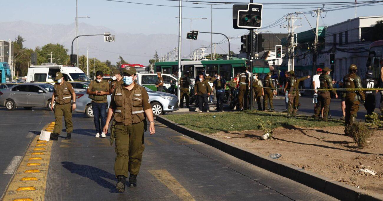 La mujer fue abordada a la altura de Isabel Riquelme y en ese lugar recibe un impacto de bala en el tórax (Agencia UNO).