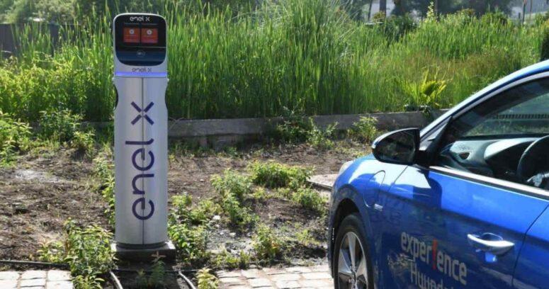 """""""Proyecto ElectroRuta Enel X instalará más de 140 nuevas estaciones de carga de autos eléctricos en 2021"""""""