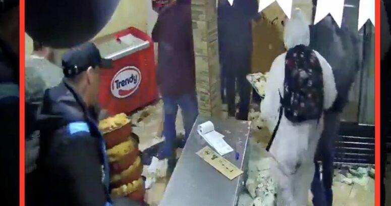 """""""Funa en redes sociales permite detener a saqueadores de panadería en Melipilla"""""""