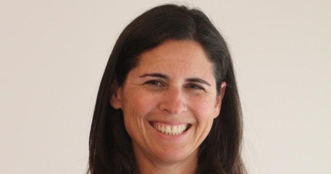 Sylvia Eyzaguirre candidata a constituyente por el distrito 10.