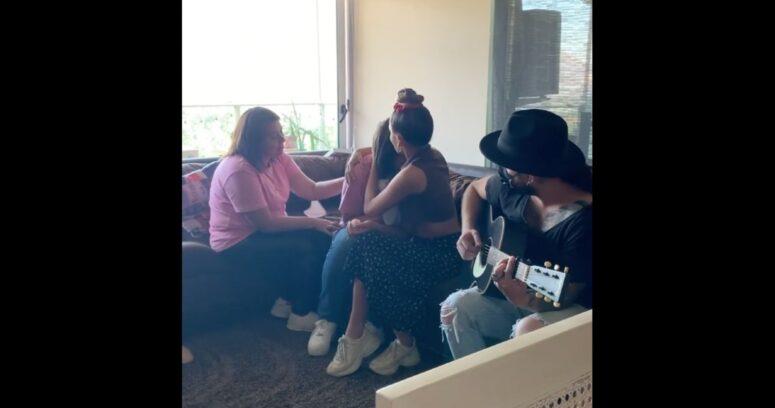 VIDEO – Cami se reunió con familia de Tamara Moya y le rindió emotivo homenaje
