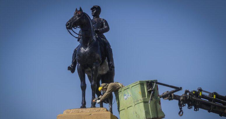 """""""Consejo de Monumentos se reunirá para definir si trasladan estatua del general Baquedano"""""""
