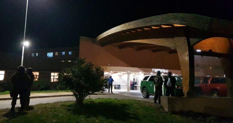 El momento exacto en que equipo de TVN es trasladado a Hospital de Curanilahue