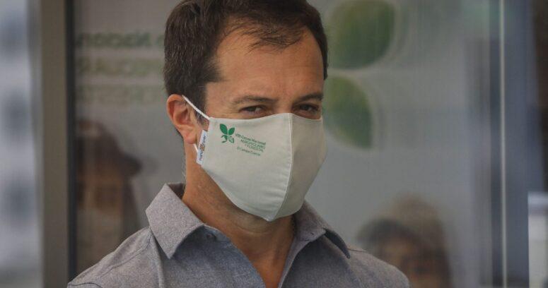 """Ministro Palacios reconoce que delivery de ferias libres """"no se planteó de buena forma"""""""