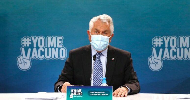 """""""Ministro Paris rechazó exigencia de documentos a personas con VIH para recibir la vacuna"""""""