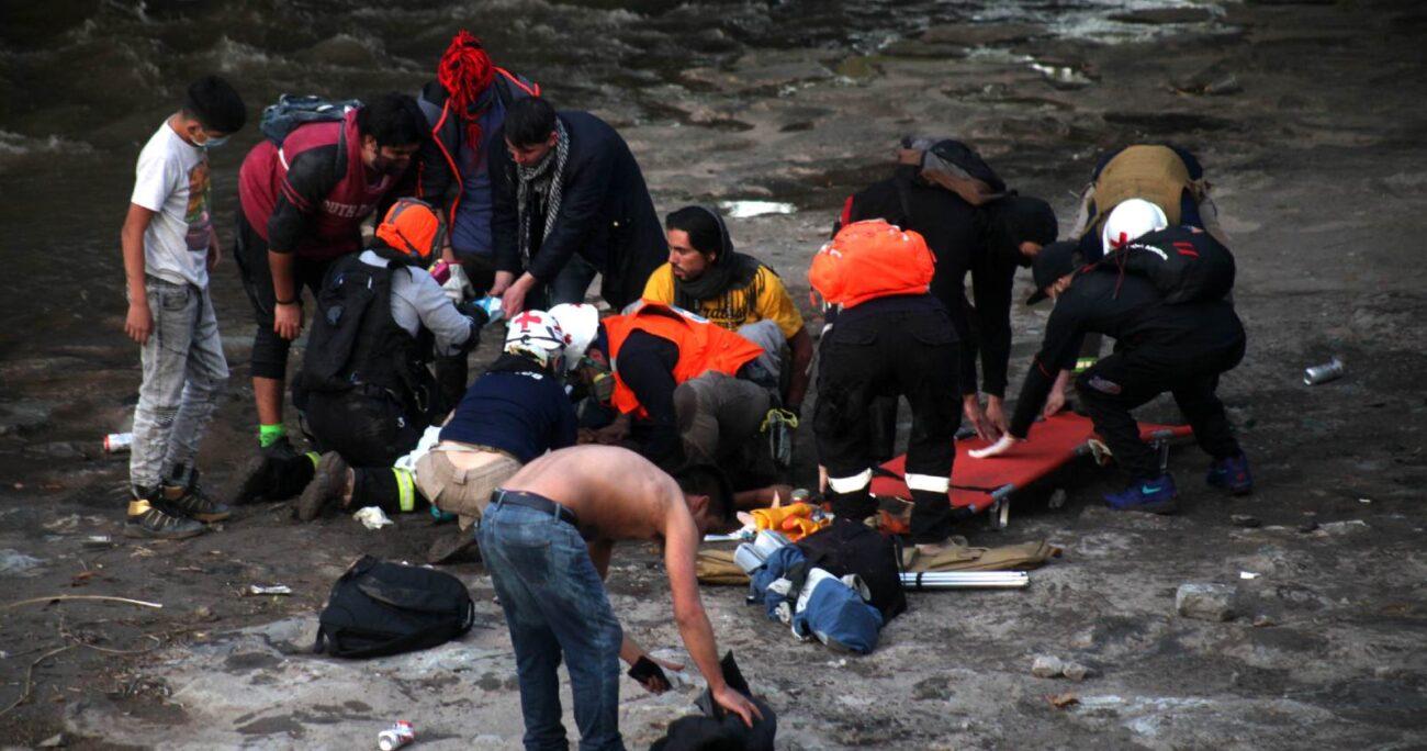La caída del menor al río Mapocho ocurrió el pasado 2 de octubre de 2020. (Agencia Uno/Archivo).