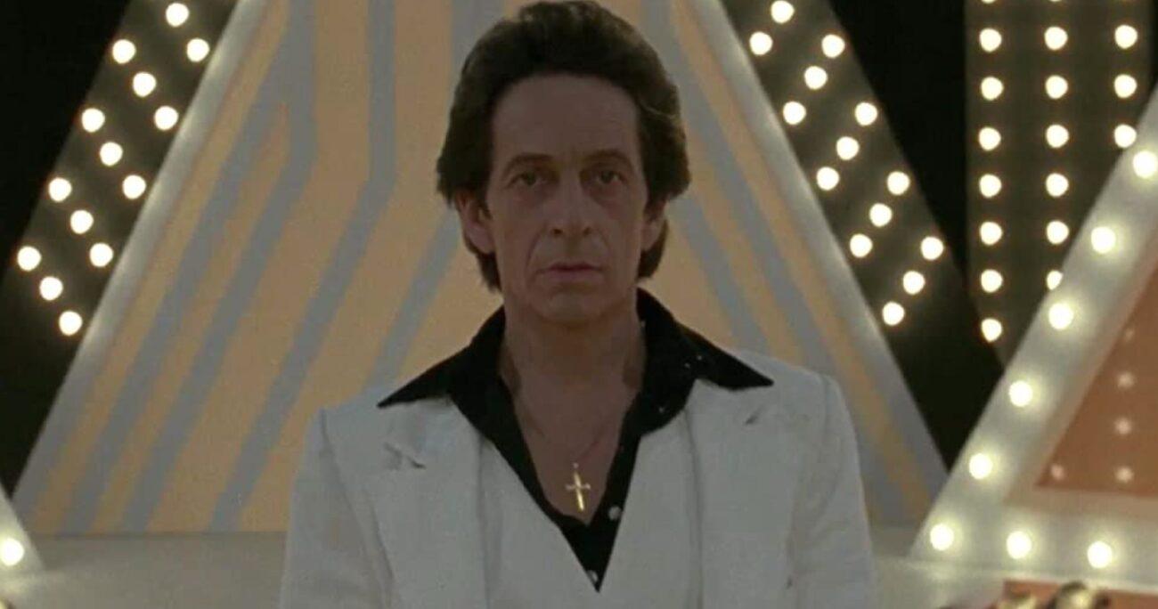 Raúl Peralta buscará por todos los medios convertirse en un ídolo del espectáculo. (IMDb).