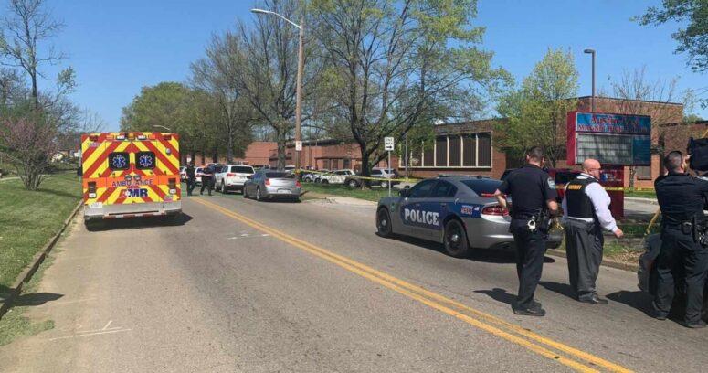 EEUU: tiroteo en instituto de Konxville deja un fallecido y un policía herido