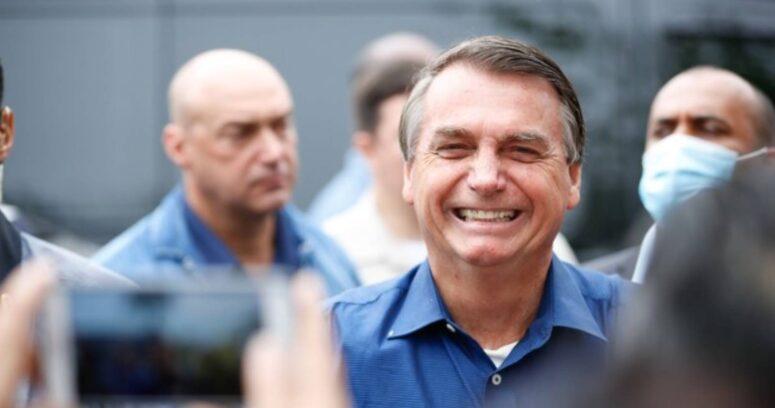 """Bolsonaro califica de """"carnaval fuera de época"""" a comisión que lo investiga por gestión de la pandemia"""