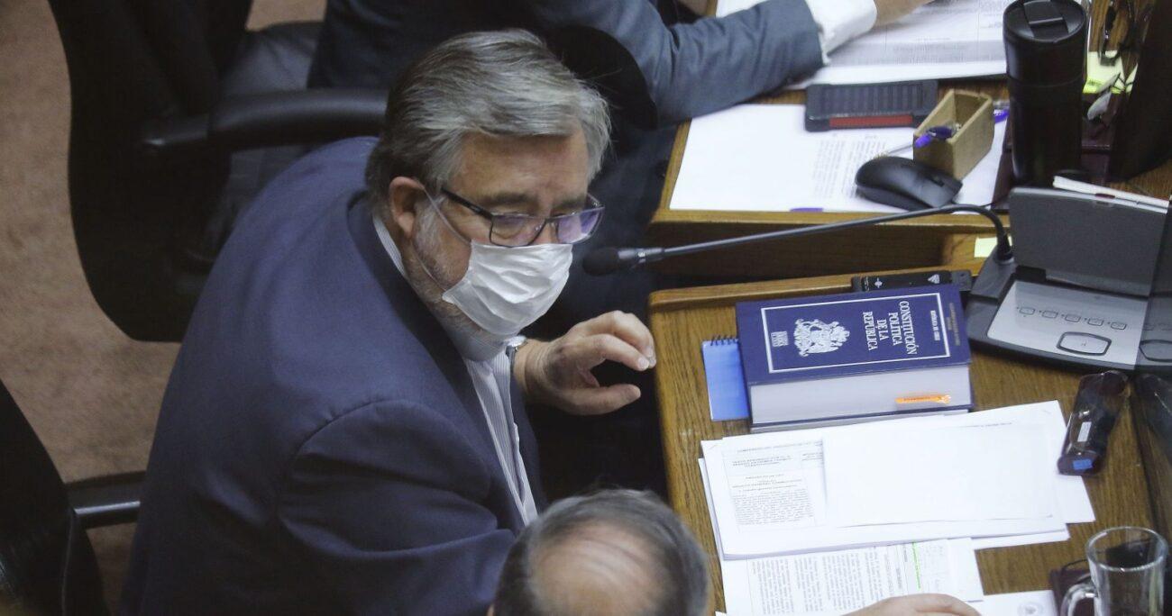 El legislador entregó la propuesta durante el debate por el tercer retiro del 10%. AGENCIA UNO/ARCHIVO