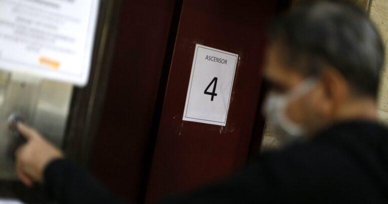 """""""Las Condes: trabajador muere aplastado por ascensor al que le hacía mantenimiento"""""""