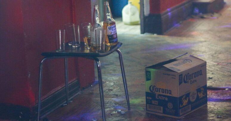 Dos médicos y un TENS detenidos por fiesta clandestina en Valparaíso