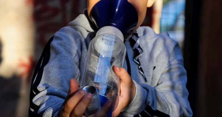Estudian uso de medicamento contra el asma para tratar el COVID-19
