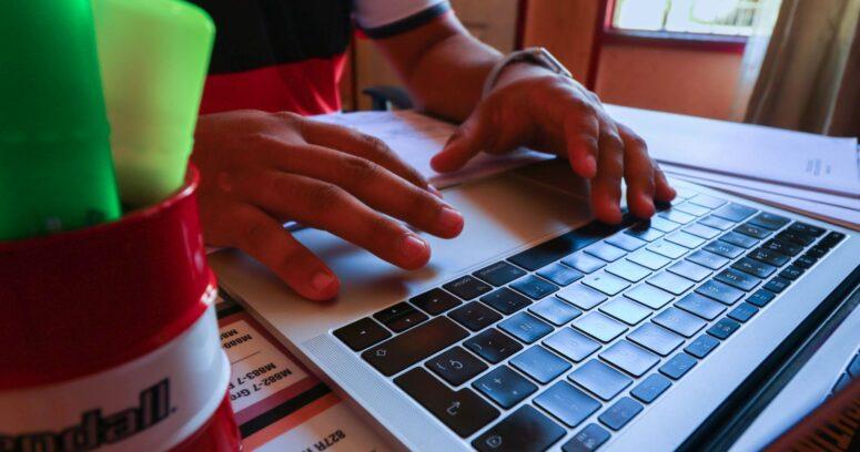 Piden registrar la asistencia a clases online para evitar el ausentismo crónico