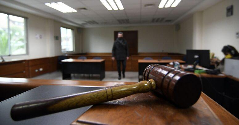 """Corte Suprema califica de """"grave"""" detención de funcionario con arsenal de armas"""