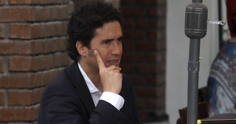 """""""Los indignólogos"""": la dura columna de Ignacio Briones contra los matinales"""