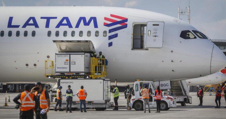 LATAM continuará transportando vacunas gratis durante todo el 2021