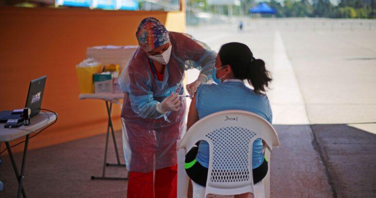 """Daza: """"Podemos seguir vacunando con primeras dosis a una velocidad de 50 mil o 60 mil diarias"""""""
