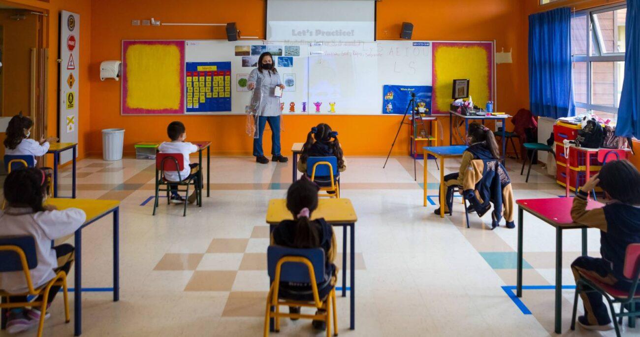 En Chile, según proyecciones del Banco Mundial y del Mineduc, los alumnos podrían tener un retroceso de 1,3 años en sus aprendizajes. AGENCIA UNO/ARCHIVO