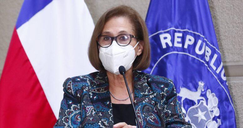 """Adriana Muñoz alega contra Zaldívar por eventual cambio de gabinete: """"Nos cambian los interlocutores cada tres meses"""""""