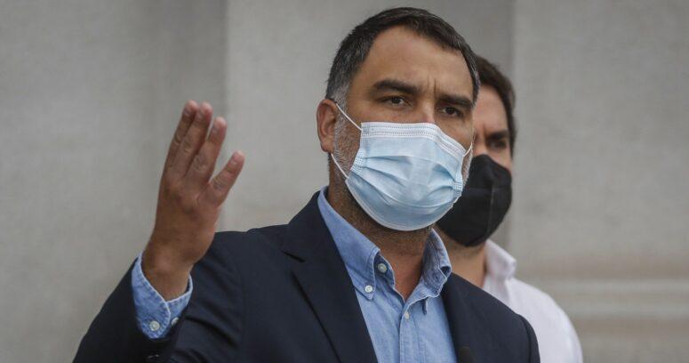 """""""Inaceptable, inentendible y contraria a toda lógica"""": UDI arremete contra medidas del Gobierno"""