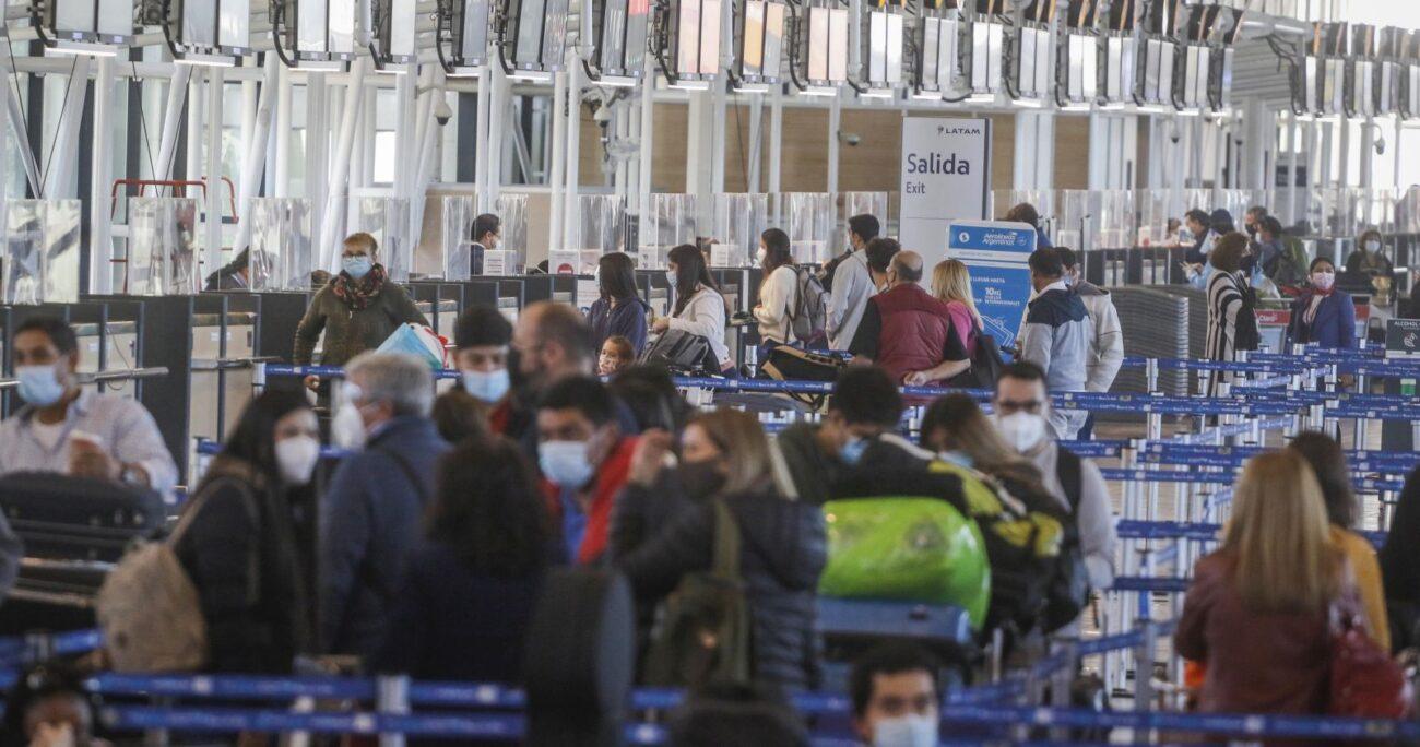 Gobierno cerrará las fronteras del país durante todo abril