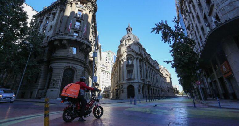 Región Metropolitana seguirá en cuarentena tras casi un mes