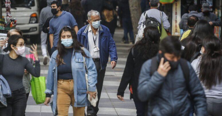 """El duro llamado del alcalde de Lo Espejo: """"Nos estamos muriendo en 46 metros cuadrados"""""""