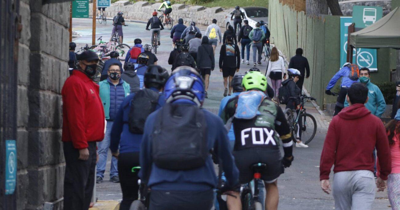 Los ciclistas agredieron con golpes y puños al trabajador, quien fue llevado a un centro asistencial para constatar lesiones. AGENCIA UNO/ARCHIVO