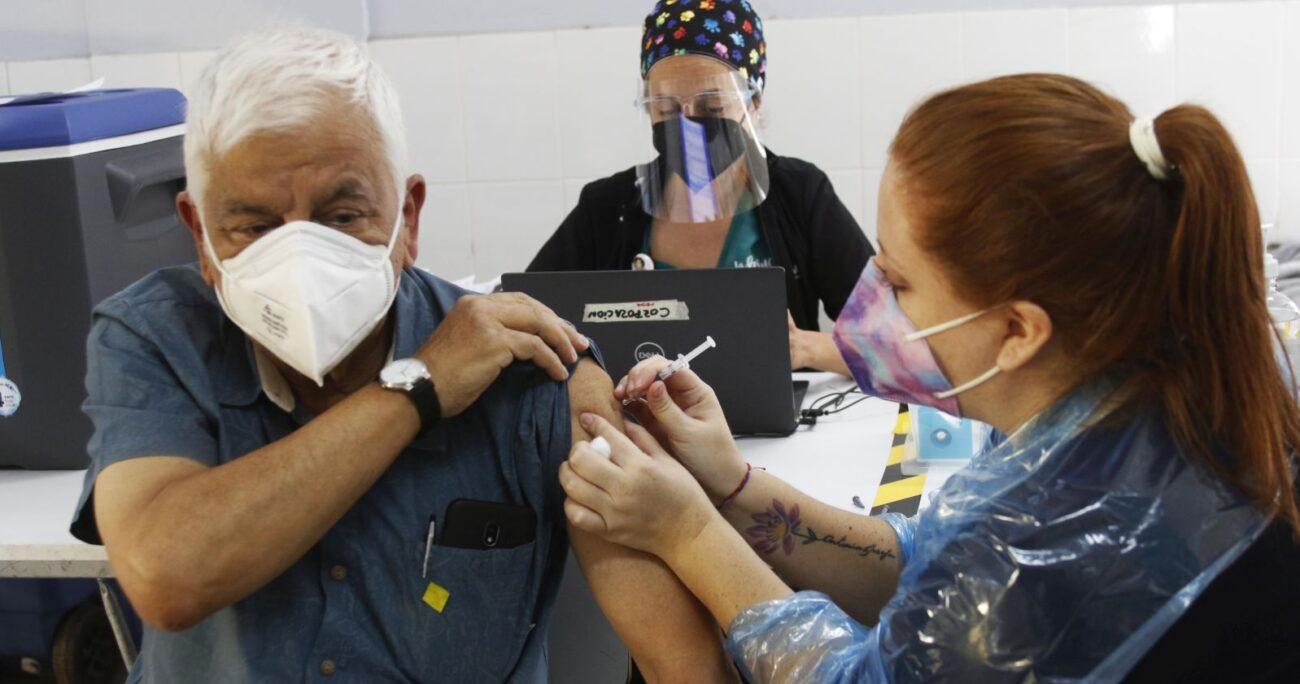 Las autoridades también pidieron a los empleadores facilidades para que sus trabajadores se puedan inocular. AGENCIA UNO/ARCHIVO